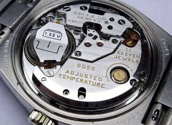 Механизм кварцевых часов